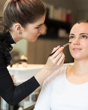 Schminkberatung Schminken Schweiz Zürich Makeup Makeupartist Visagistin Beratung lernen lesson
