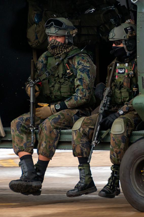 Comandos de las Fuerzas Especiales de la FAB, PARA-SAR, en acciones de rescate en el campo de batalla (C-SAR). Foto: João Paulo Moralez