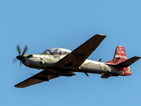 ¡Ases en picada! La campaña de empleo aire-tierra en la formación de pilotos de combate de la FAB