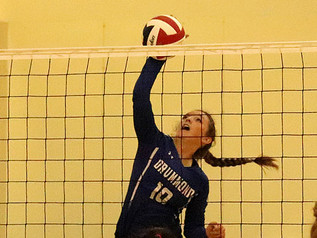 Drummond bests St. Regis in straight sets