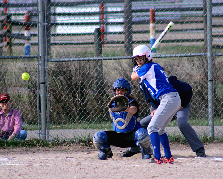 Kristen Piippo waits in a pitch at the plate. (file photo)