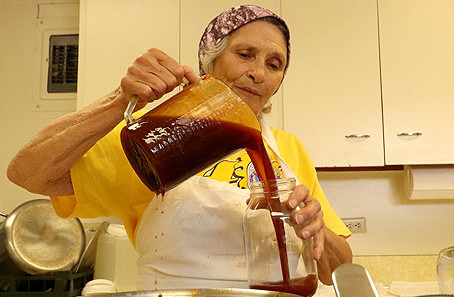 """Pauline's BBQ Sauce: """"It was just God, my two-wheeled dolly and me"""""""