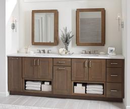shaker_style_bathroom_cabinets_2.jpg