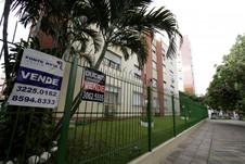Preços de imóveis residenciais caem 2,78% em 2017 em Porto Alegre