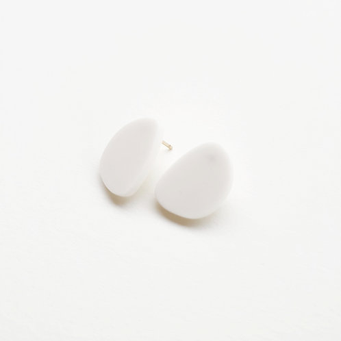 Topo stud earrings medium porcelain, brass gold filled