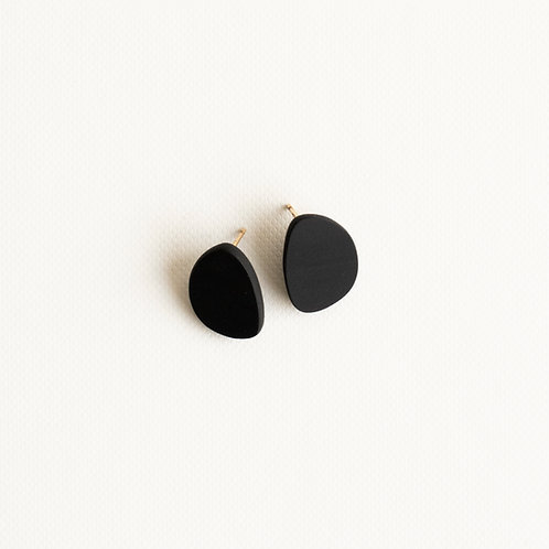 Topo stud earrings medium black porcelain, brass gold filled