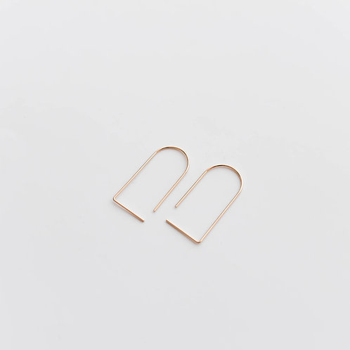 Semi-oval minimalistic earrings