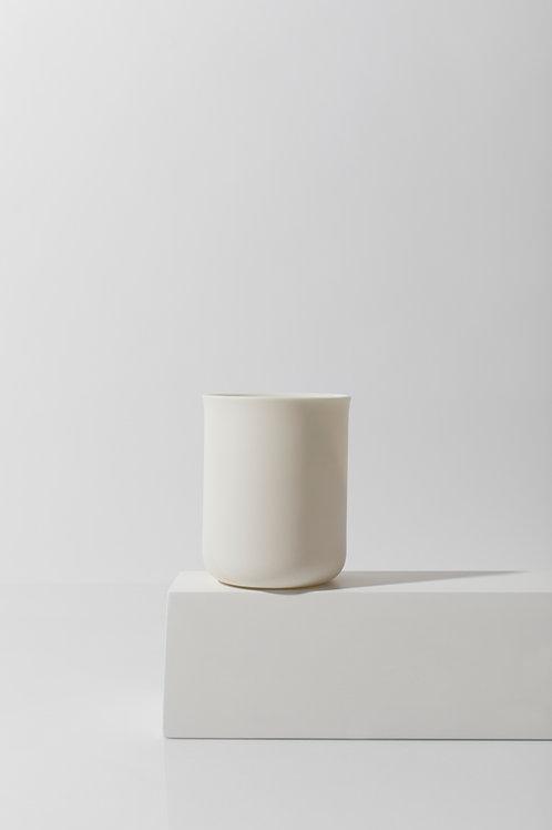 Porcelain medium cup