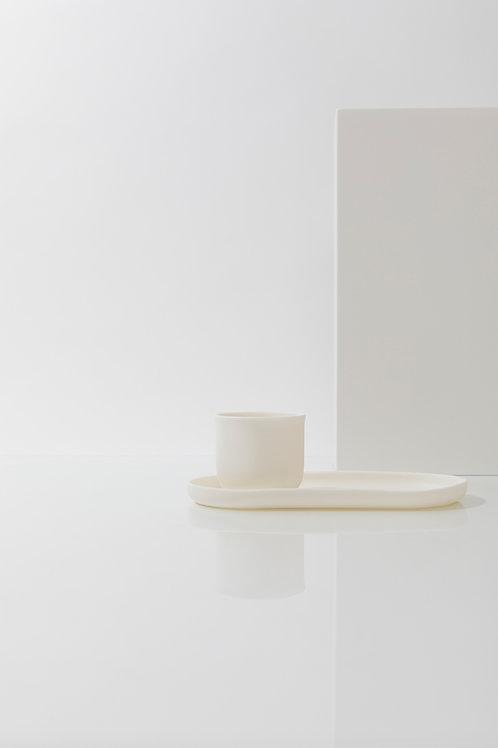 Kleiner ovaler Teller aus Porzellan