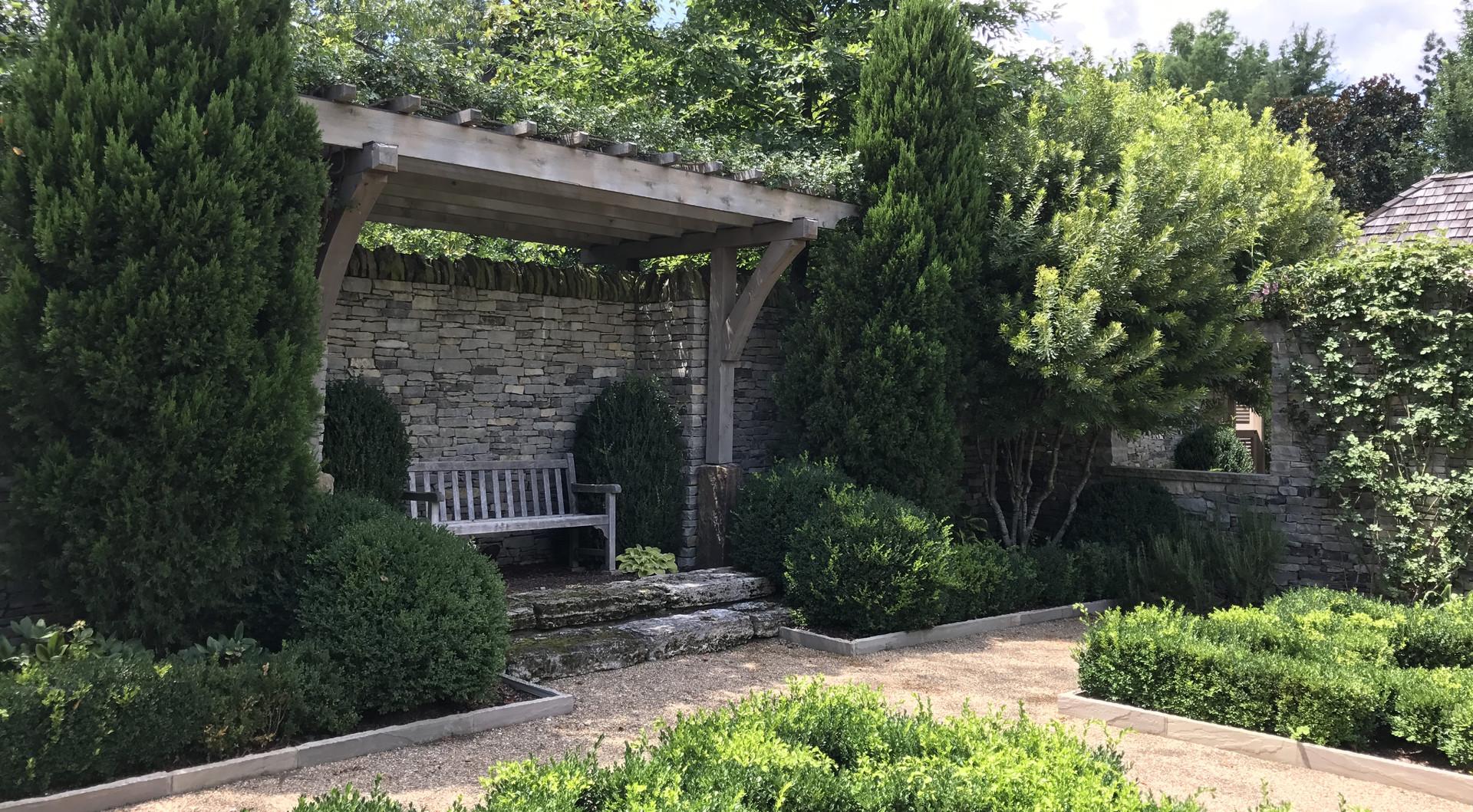 Parterre Garden Pergola