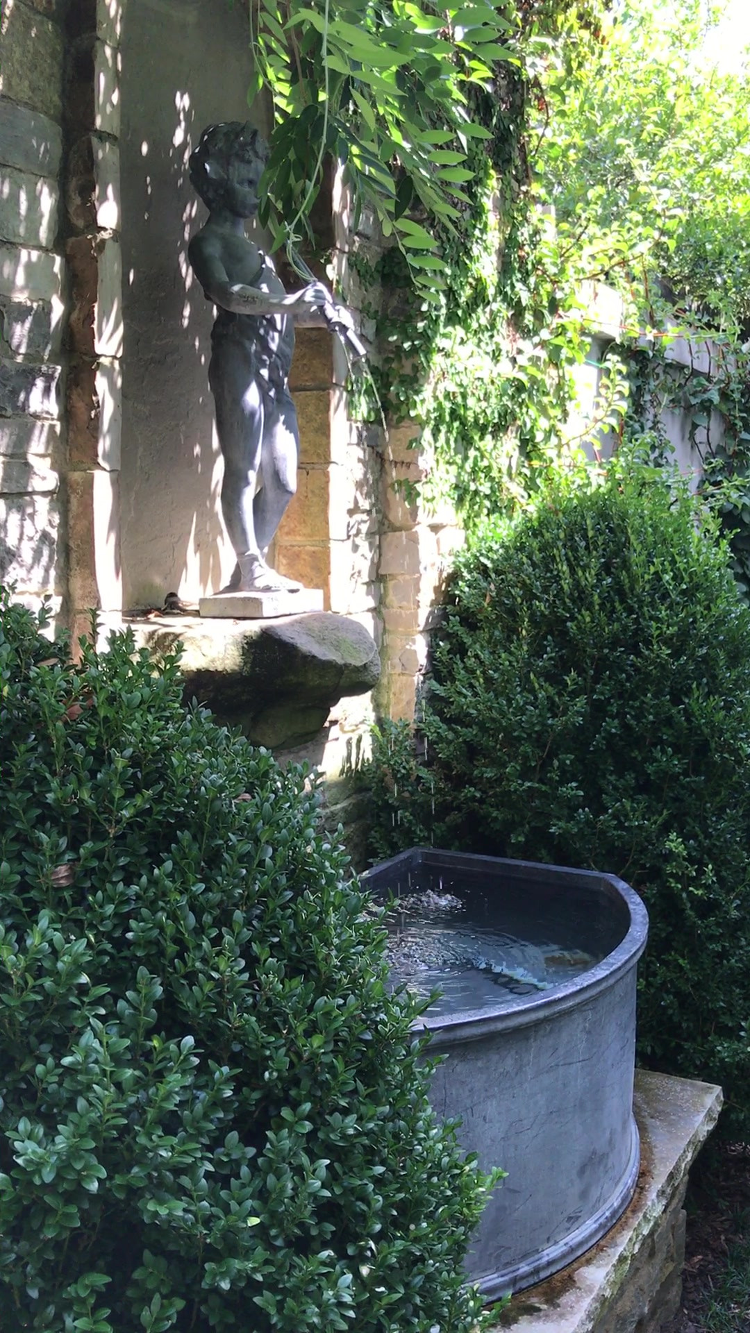 Piping Boy Fountain