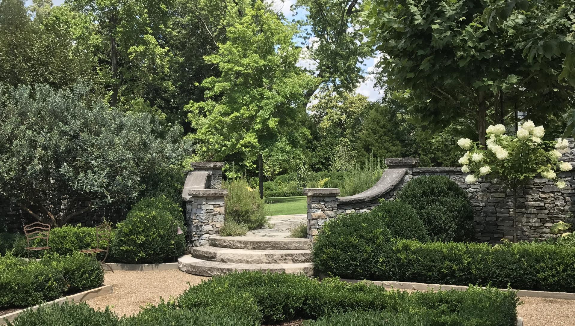 Parterre Garden Steps