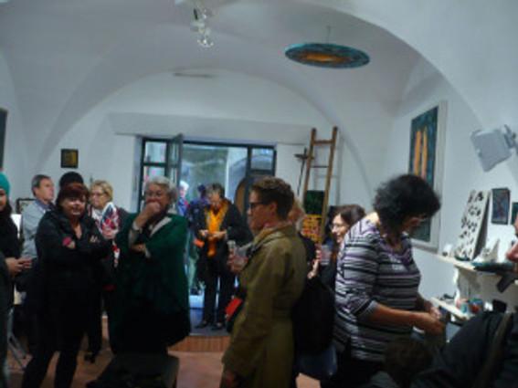 opnun gallery 16
