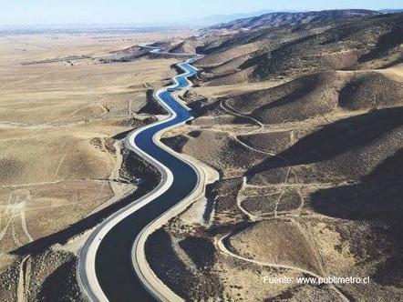 Enfrentar la sequía con una regadera: carretera hídrica, riesgos sistémicos y desafíos de política