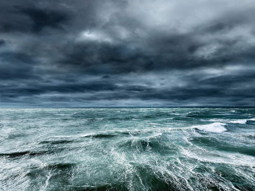 Heavy-weather-boat-handling-image1-hero[