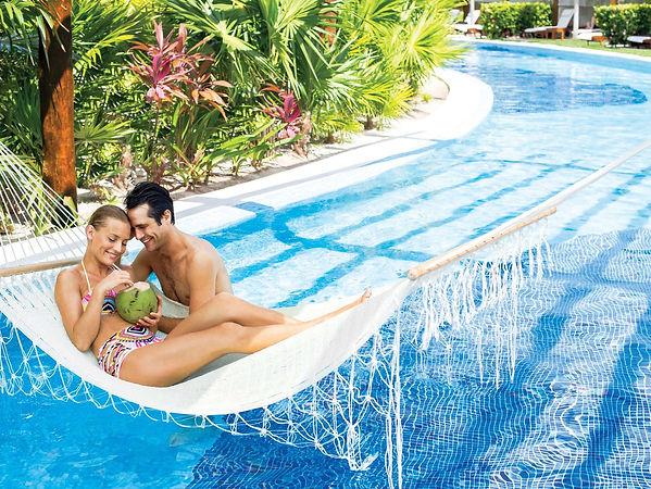 playa-mujeres-resorts.jpg