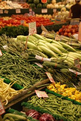KKbigstock-Fresh-Vegetable-Stalls-267658