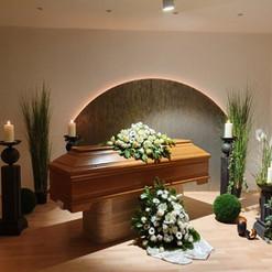 Zocher Bestattungen in Wuppertal - Stimmungsvoller Abschied in unserer Trauerhalle