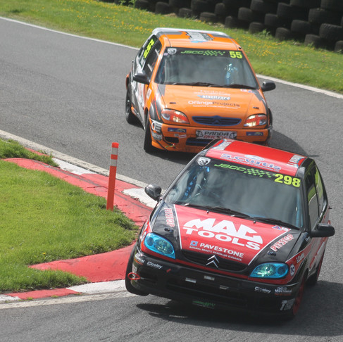 Cadwell Park: Round One