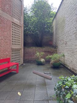 courtyard  with alu profile proto