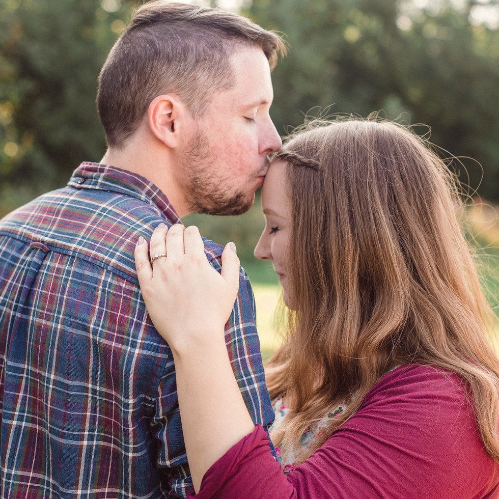 coupleengagementdogbristolphoto-23.jpg