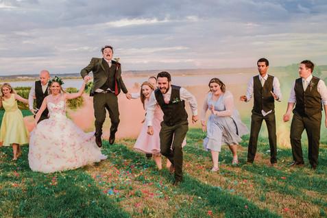 Smoke_bomb_wedding_group