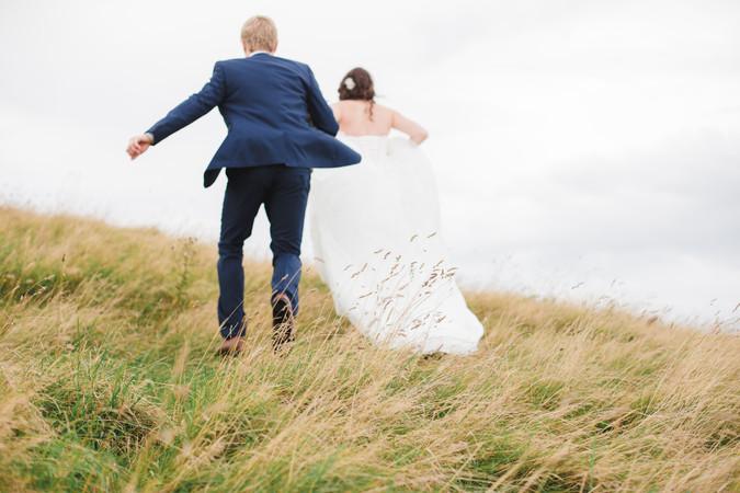 candid_bride_groom_