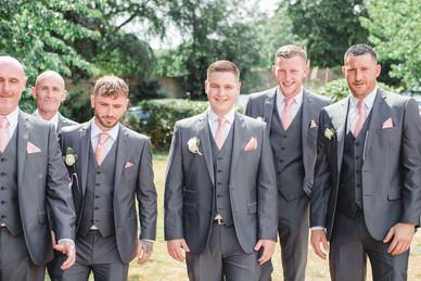 Fun_groomsmen_wedding