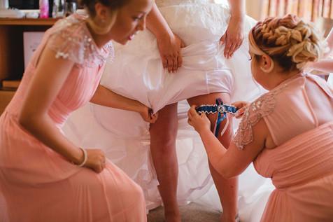 fun_wedding_garter_bridesmaids