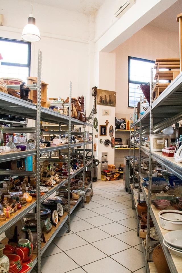 oggetti in vendita mercatino dell'usato