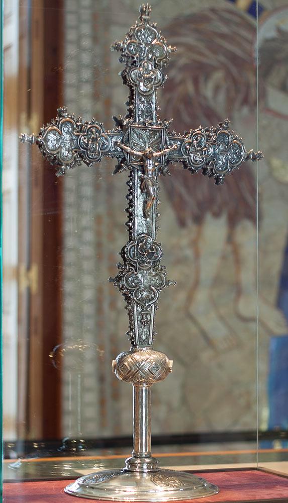 Cruz-Museo-Almudena-1.jpg