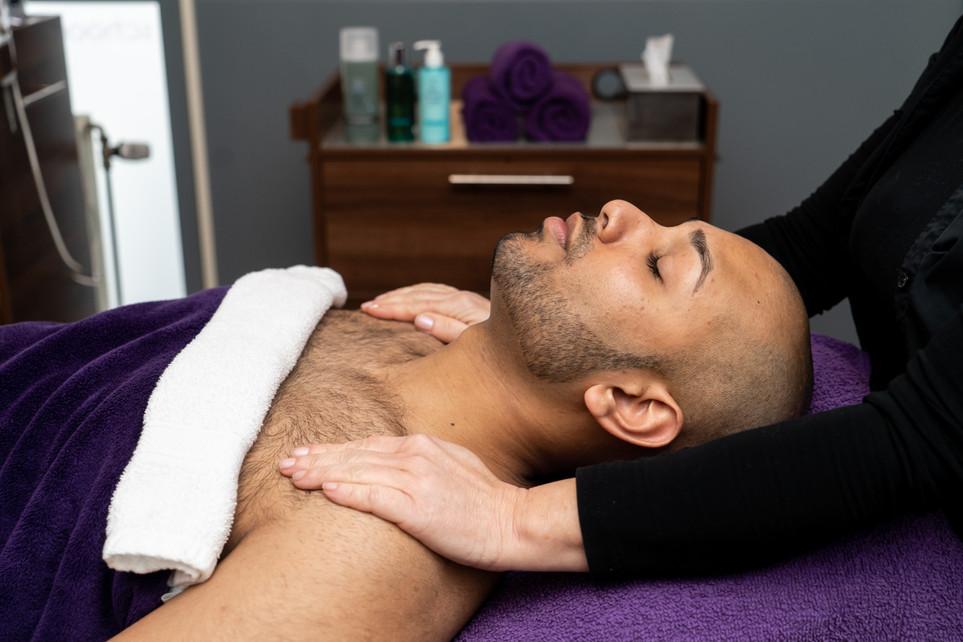 Gezicht & Decoleté Massage