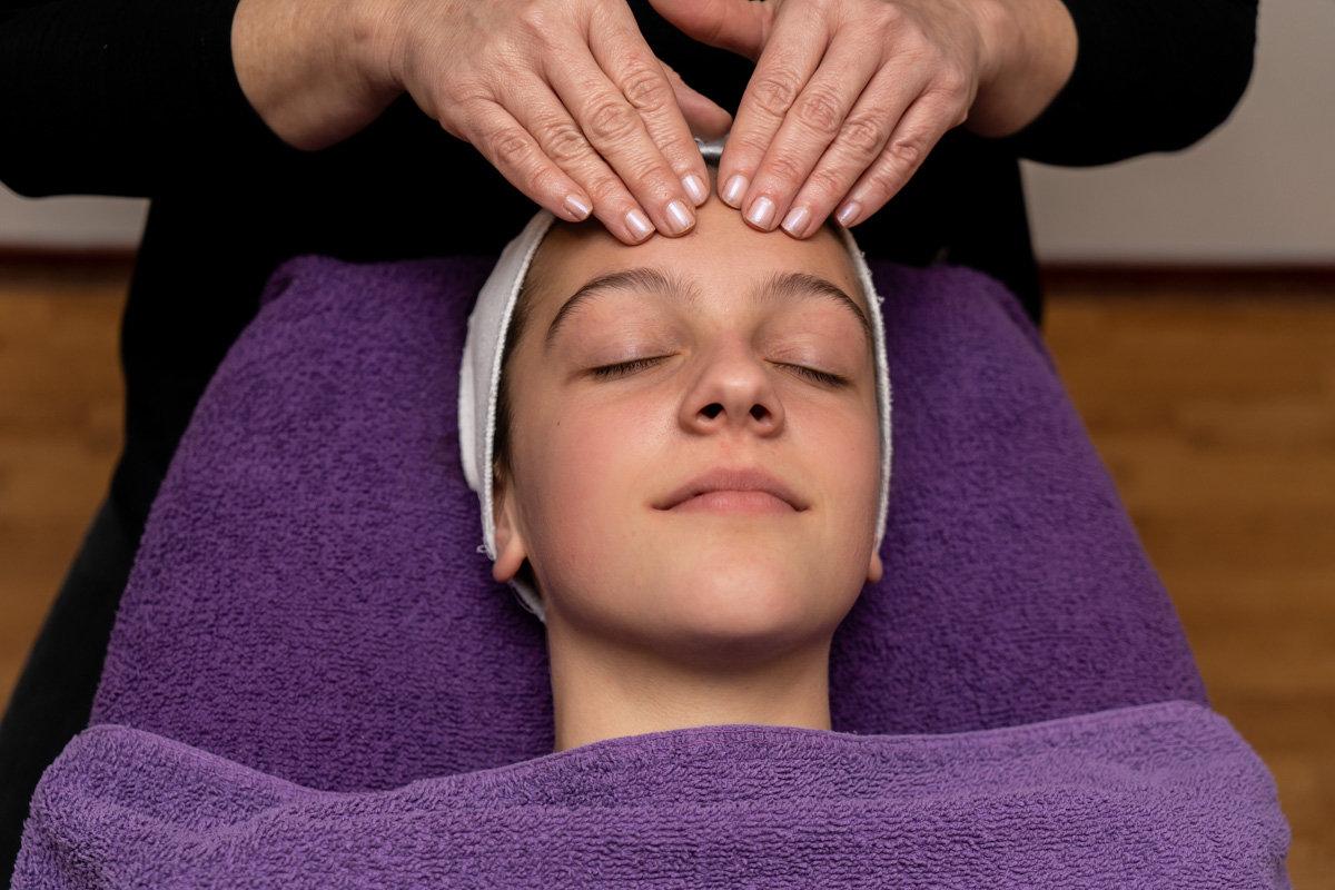 Tiener gezichtsbehandeling - 30 min