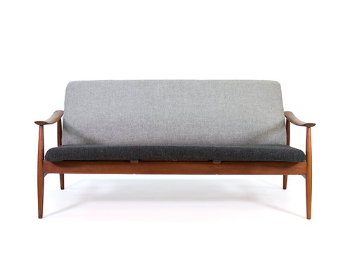 Finn Juhl for France and Daverkosen Model 138 Sofa