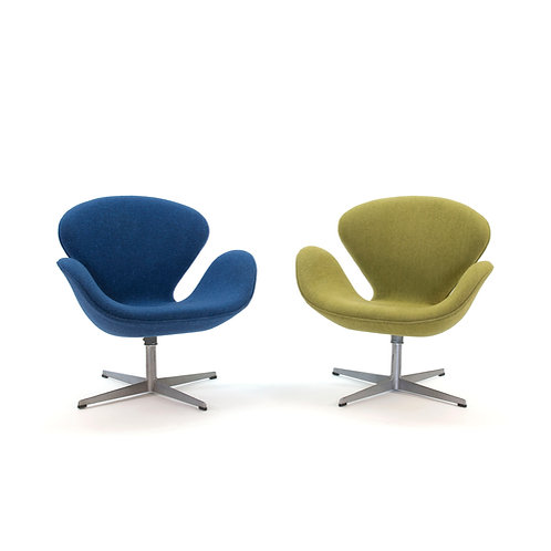 Arne Jacobsen Swan Chairs Pair Fritz Hansen 1968
