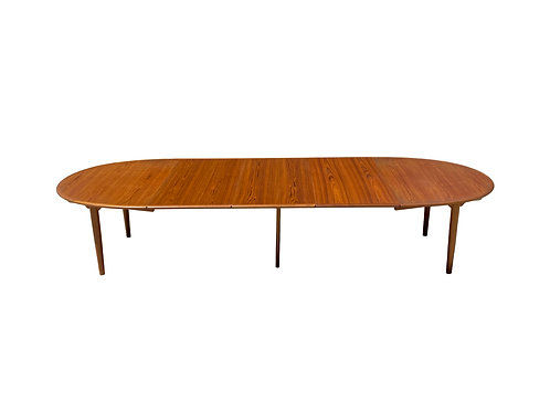 Hans Wegner for Johannes Hansen JH567 Teak Dining Table with 3 Leaves