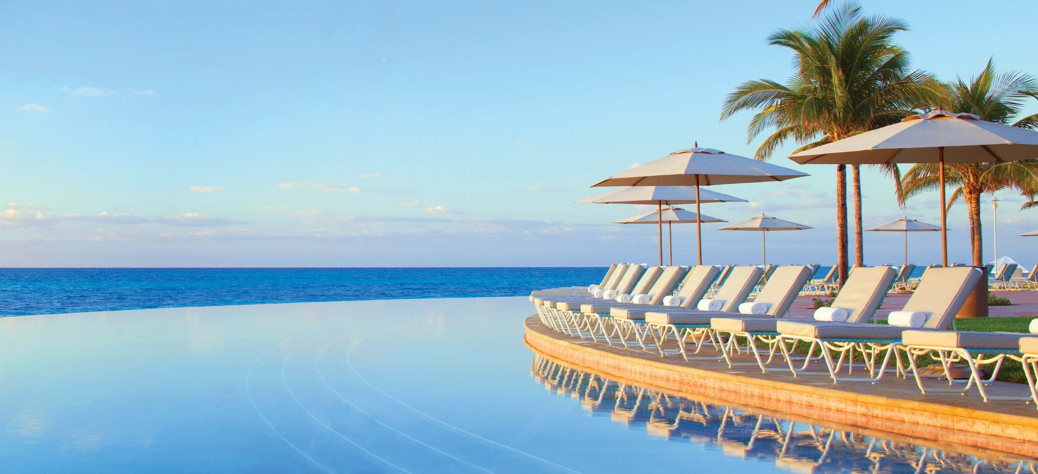 Grand-lucayan-Infinity-Pool-e1393438934833.jpg