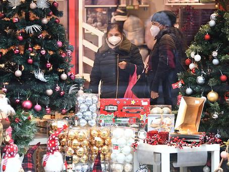 """Italia analiza nuevas restricciones tras un fin de semana de """"descontrol"""" por las compras navideñas"""