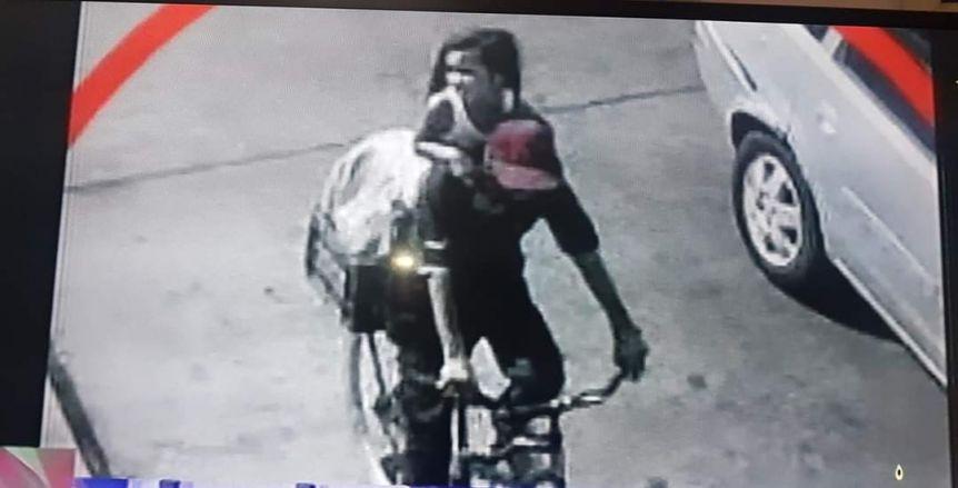 Captura de la filmación de una cámara de seguridad.