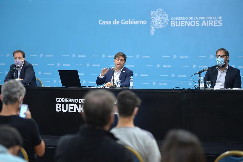 El Gobernador Kicillof encabezó una conferencia de prensa desde Casa de Gobierno junto al Ministro de Hacienda y Finanzas, Pablo López y el Subsecretario de Energía bonaerense, Gastón Ghioni.