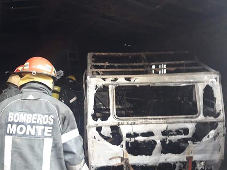 En una cárcel de La Plata confeccionaron tapabocas para bomberos de San Miguel del Monte