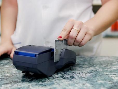 Economía | Pequeños comerciantes percibirán antes el cobro de las ventas con tarjeta de crédito