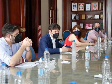 Kicillof recibió a los gremios estatales y resaltó la labor de los trabajadores del sector público