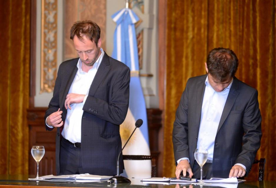 Ministro de Economía, Pablo López junto al Gobernador Axel Kicillof.