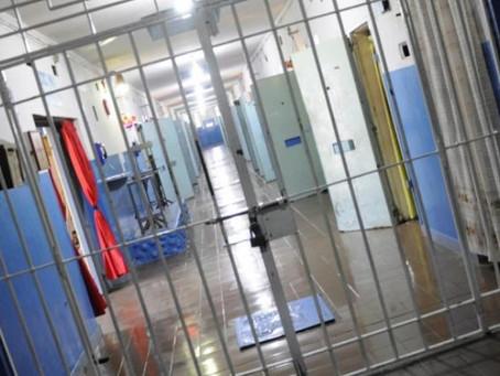 Intentan pasar marihuana y cocaína en bizcochos, pollos y zapatillas en tres penales bonaerenses