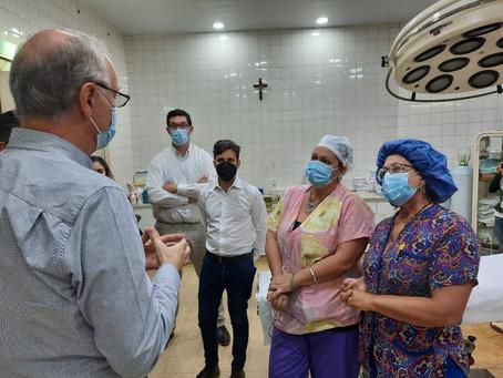 COVID-19 | El Ministro Gollan visitó hospitales en Lobos y Roque Pérez
