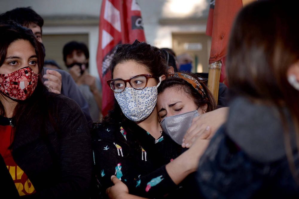 La justicia ordenó esta tarde la liberación de los 36 aprehendidos en el desalojo del predio de Guernica ocupado en julio pasado.