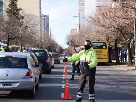 La Plata | Despliegan importante operativo de control de cumplimiento de las nuevas restricciones