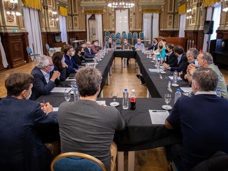 Kicillof analizó el resultado de los comicios con intendentes de la primera sección electoral