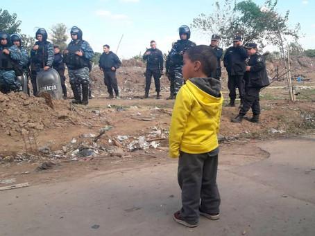Escobar | Despliegan operativo policial para el desalojo de un predio tomado